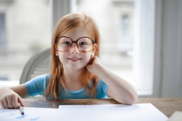 learning styles: young girl reading