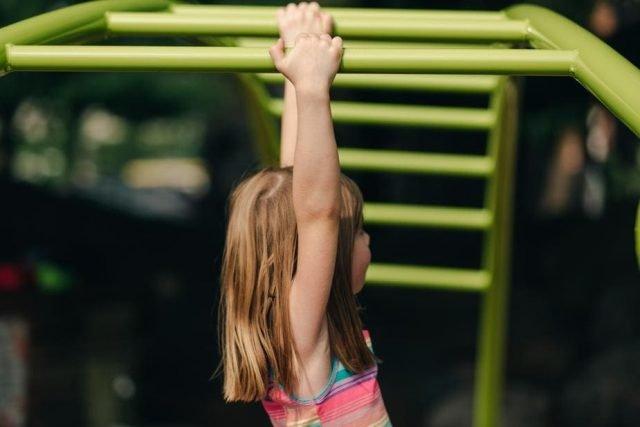 self-driven super learner girl